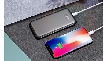USB-CとQuick Charge 3.0に対応、AUKEYの1万mAhモバイルバッテリーが20%オフ