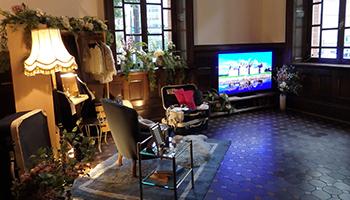 パナソニックが「三菱一号館美術館」でテレビとレッグリフレの体験会